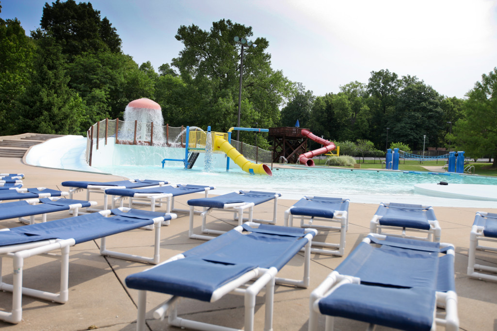 Mcnair aquatic facility st charles parks and recreation for Garden city pool hours