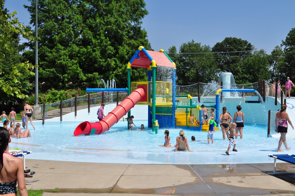 Aquatics st charles parks and recreation for Garden city pool hours